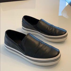 Dolce Vita black leather slip on platform sneaker